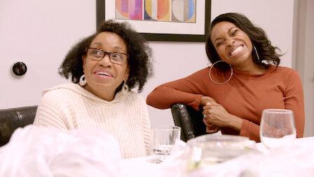 觀賞會見父母。第 1 季第 7 集。